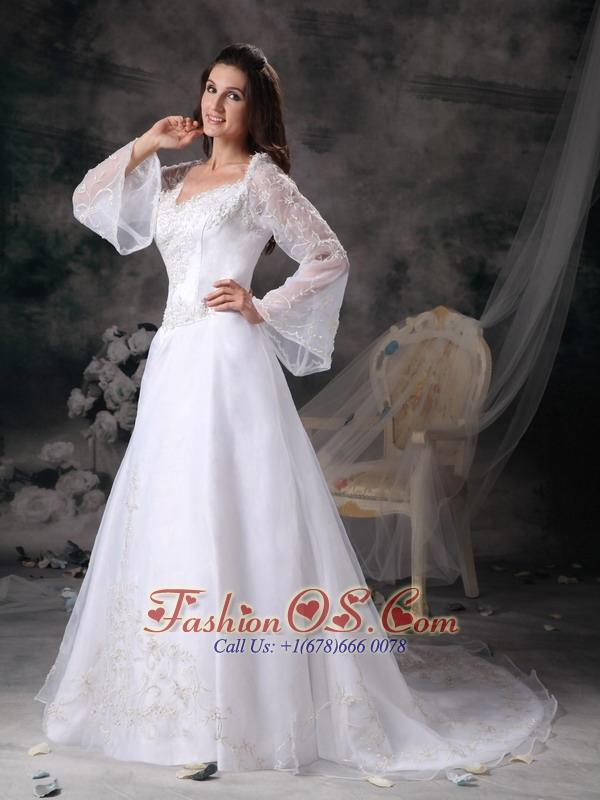 Gorgeous A-line Square Wedding Dress Organza Appliques Court Train