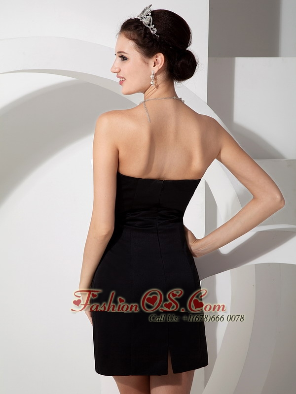 Customize Black Cocktail Dress Column Sweetheart Satin Beading Mini-length