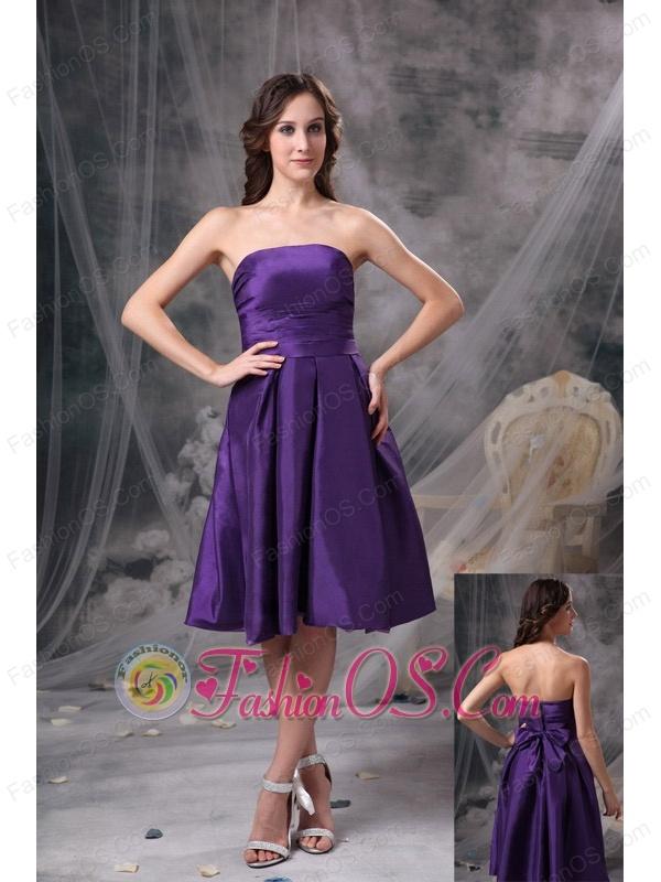 Customize Eggplant Purple Knee-length Knee-length Bridesmaid Dress A-line Strapless