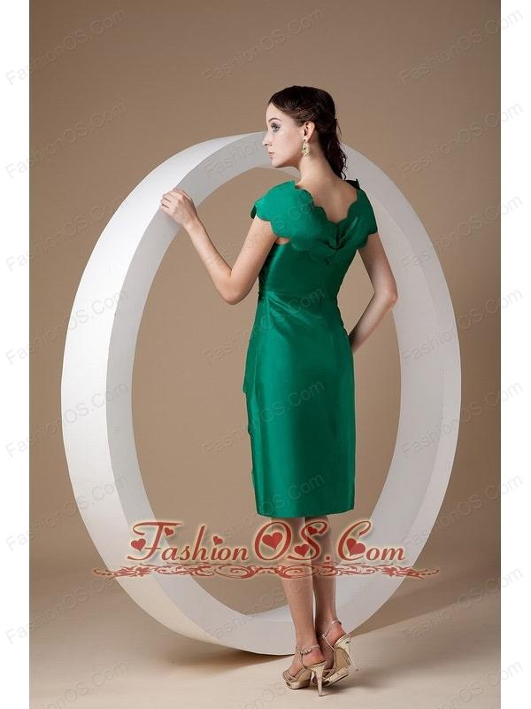 Elegant Dark Green Mother of the Bride Dress Column V-neck Taffeta Ruch Knee-length