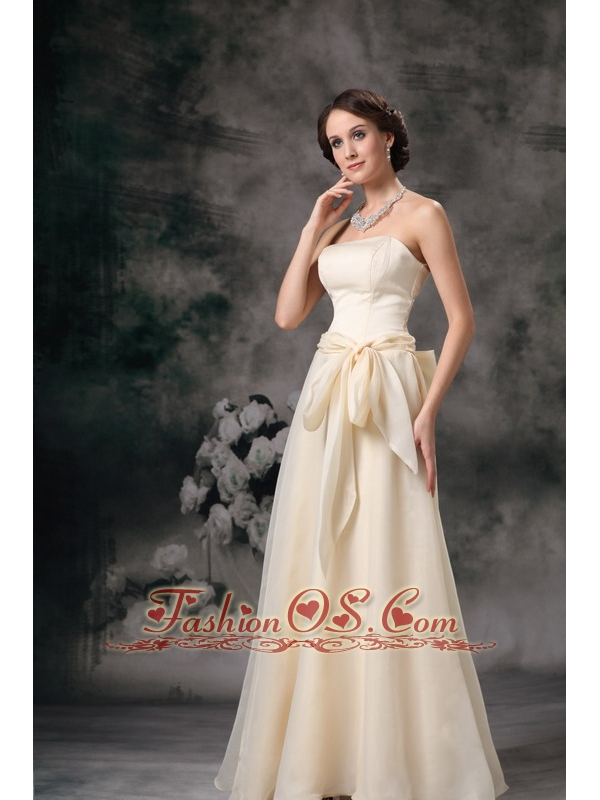 Modest Light Yellow Cheap Bridesmaid Dress Empire Strapless Floor-length Chiffon Sashes