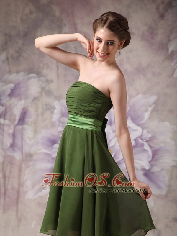 Olive Green Chiffon Strapless Short Cheap Bridesmaid Dres with Sashes