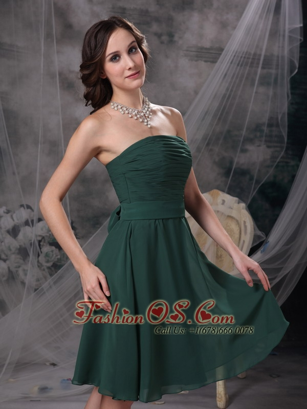 Simple Dark Green A-line Strapless Homecoming Dress Ruch Chiffon ...