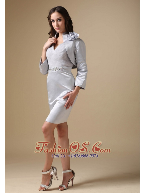 Simple Silver Mother Of The Bride Dress Column V-neck Elastic Woven Satin Beading Knee-length