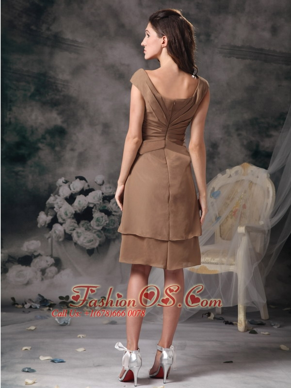 Customize Champagne Empire Square Mother Of The Bride Dress Chiffon Beading Knee-length