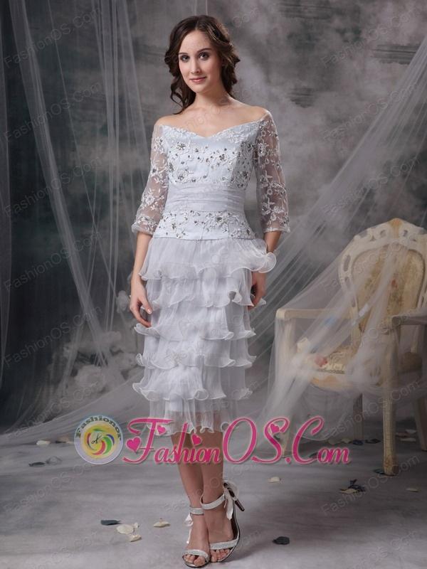 Elegant Grey Column / Sheath Off The Shoulder Mother Of The Bride Dress Organza Beading Tea-length
