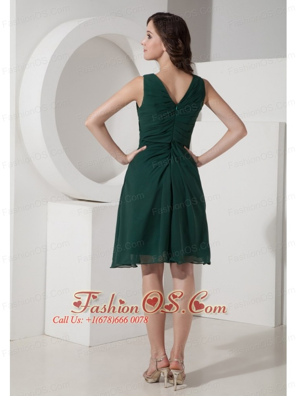 Hunter green A-Line / Princess V-neck Knee-length Chiffon Ruched Prom Dress