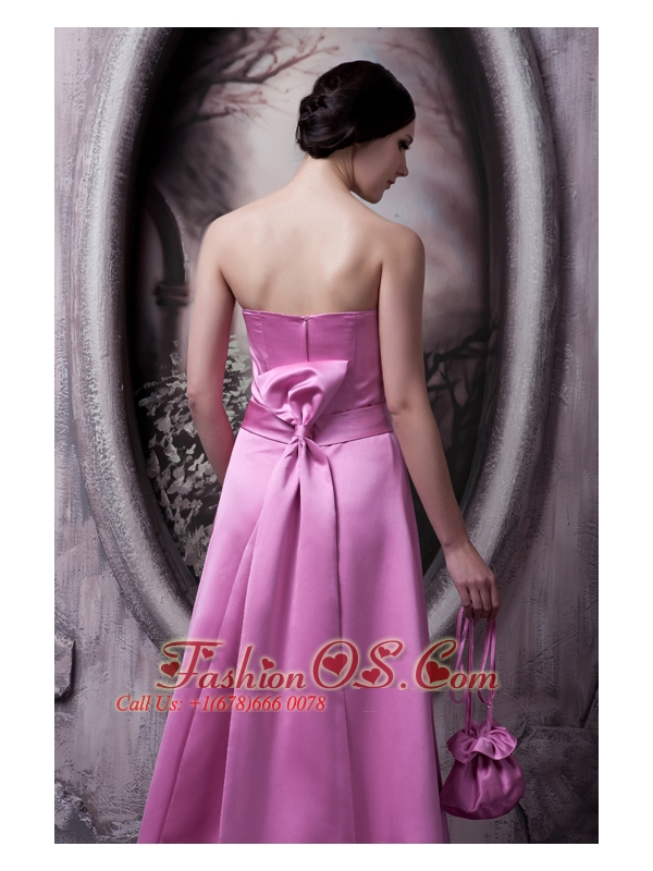 Elegant Rose Pink Bridesmaid Dress A-line / Princess Strapless  Satin Bow Brush Train