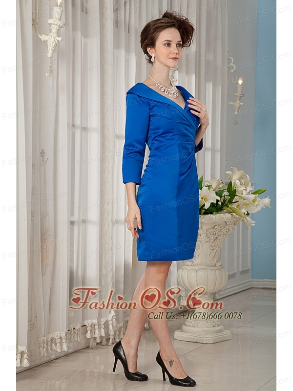 Modest Royal Blue Mother Of The Bride Dress Column V-neck Taffeta Ruch Knee-length