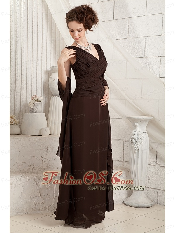 Pretty Brown Mother Of The Bride Dress Column V-neck Chiffon Ruch Floor-length