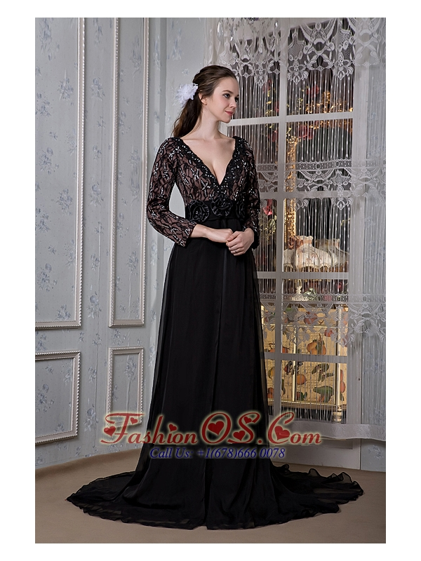 Sexy Black Mother Of The Bride Dress A-line V-neck  Chiffon Beading Court Train