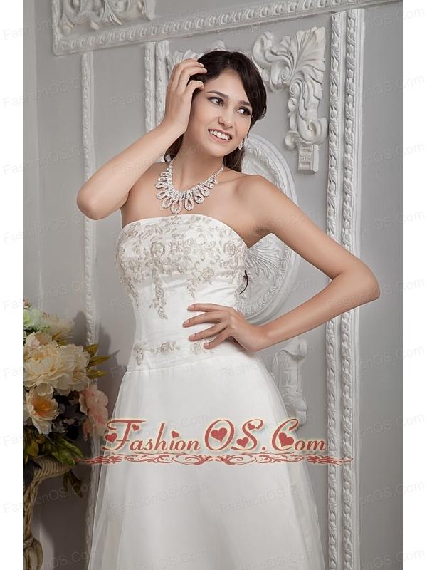 Elegant A-line Strapless Wedding Dress Appliques Lace Court Train