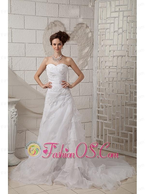 Exquisite A-line Sweetheart Wedding Dress Organza Appliques Court Train
