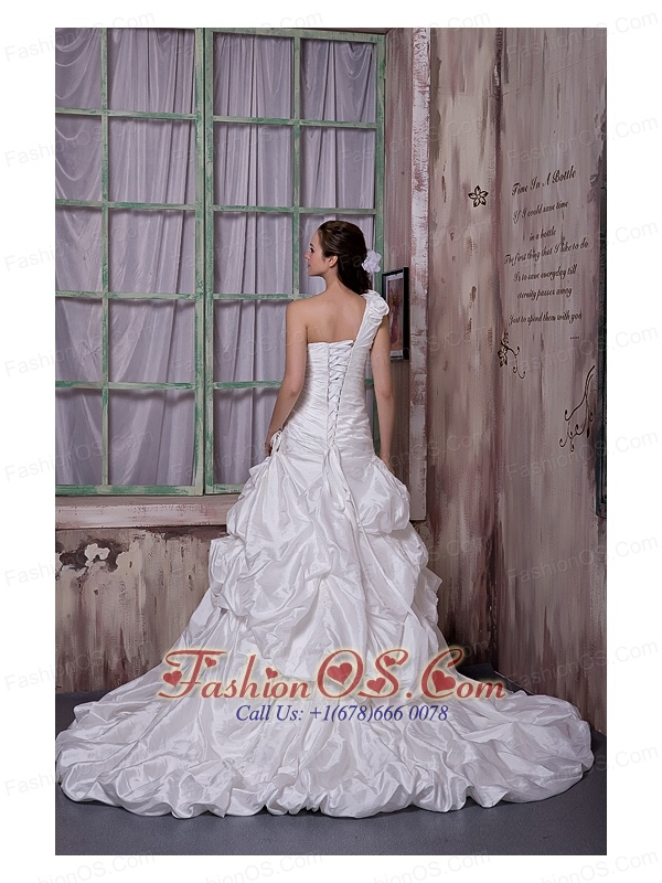Luxurious A-line One Shoulder Wedding Dress Taffeta Appliques and Pick-ups Court Train