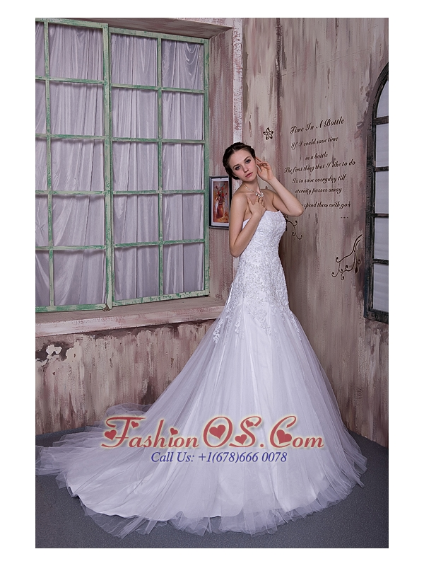 Custom Made A-line Strapless Wedding Dress Taffeta and Tulle Appliques Court Train