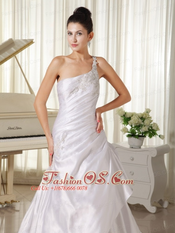 Appliques Decorate Shoulder and Bust A-line Wedding Dress In California