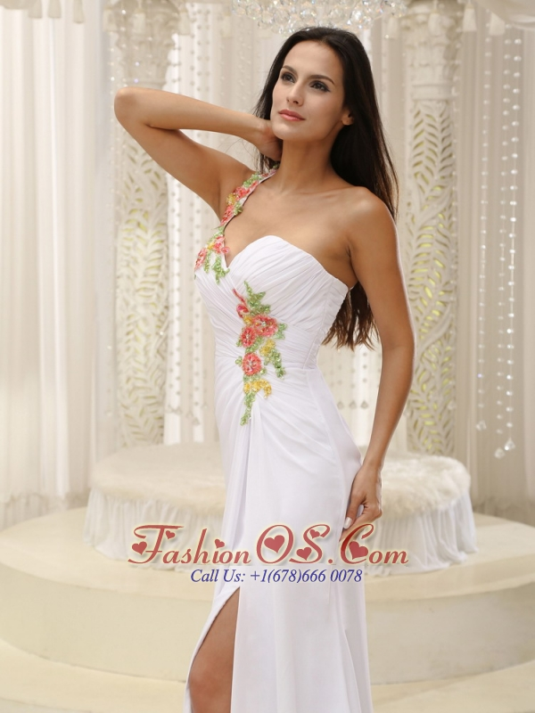 Appliques Decorate Shoulder Ruched Bodice High Slit For Prom Dress In Washington