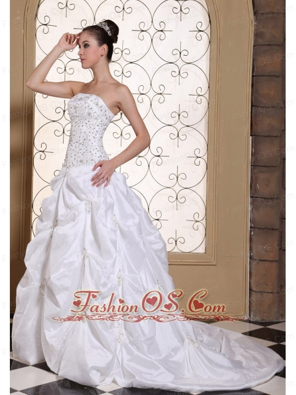 Embroidery With Beading On Satin Strapless Pretty Wedding Dress For 2013 Pick-ups Gown