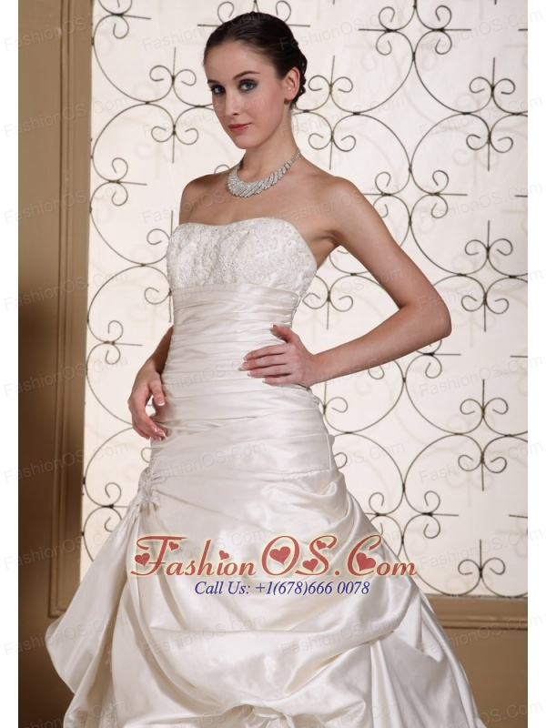 Exclusive Off White A-line Wedding Dress For 2013 Lace Decorate Bust and Pick-ups Gown