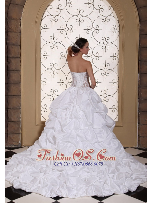 Exquisite Ball Gown Wedding Dress For 2013 Laced Bodice Taffeta With Pick-ups Gowns