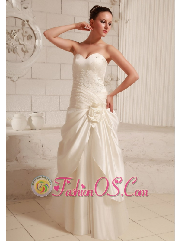 Fashionable Sweetheart A-line Wedding Dress With Ruch and Beading Hand Made Flower Taffeta