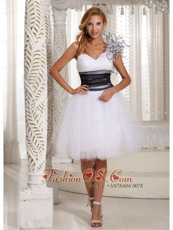 One Shoulder A-line White Prom Homecoming Dress Hand Made Flower- $97.19