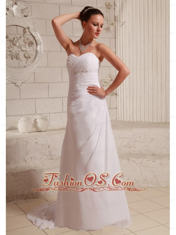 Ruch and Appliques Sweetheart Chiffon Beach Wedding Dress With A-line Court Train