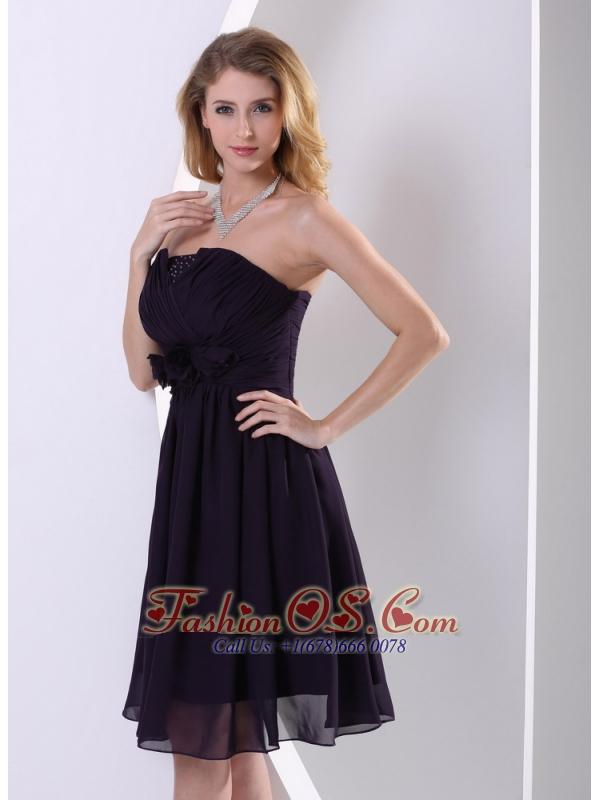 Dark Purple Chiffon Hand Made Flower and Ruch Bridesmaid Dress A-line Knee-length