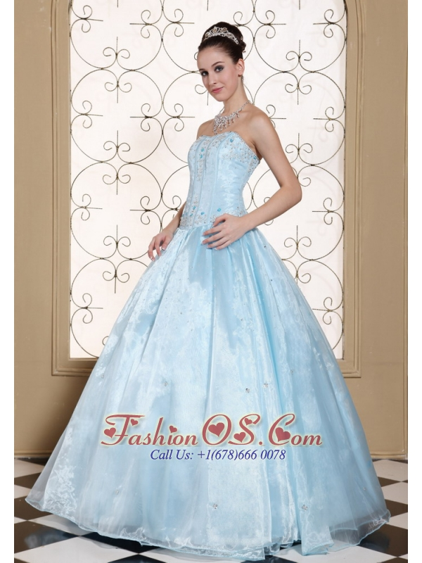 Elegant Light Blue Quinceanera Dress Strapless With Embroidery Bodice and Beading In USA