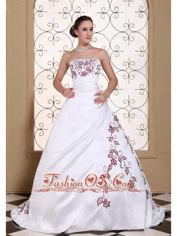 Red Embroidery On Satin A-line Modest Wedding Dress For 2013- $186.15