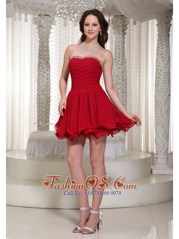 Red A-line Chiffon Ruched Bodice Homecoming Dress With Beaded Decorate For Cocktail
