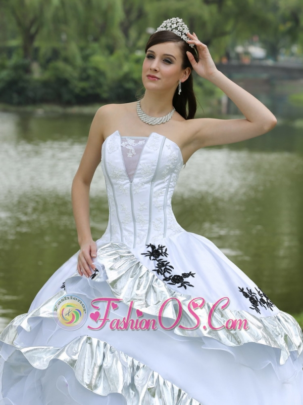 Ball Gown 2013 Quinceanera Dress For Military Ball Appliques On Taffeta Organza Strapless