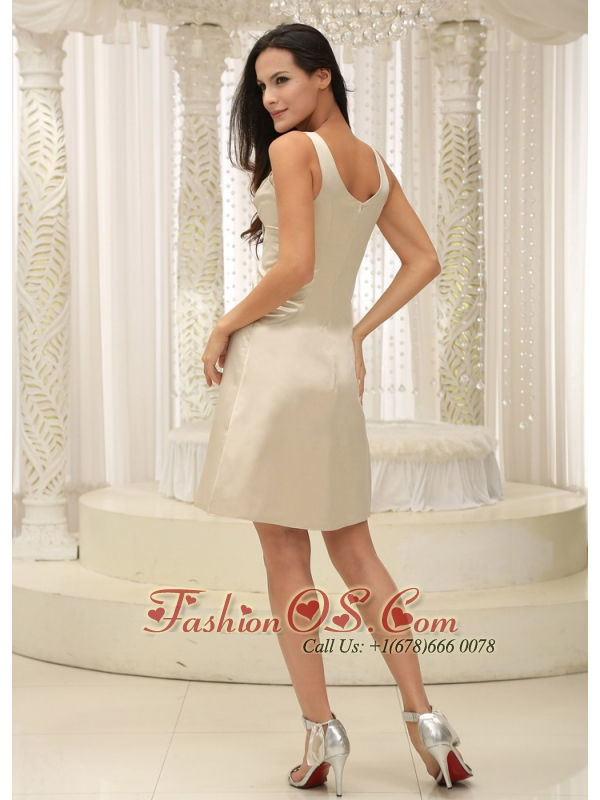 Straps Champagne Appliques Decorate Bust Knee-length Mother Of The Bride Dress With Bowknot