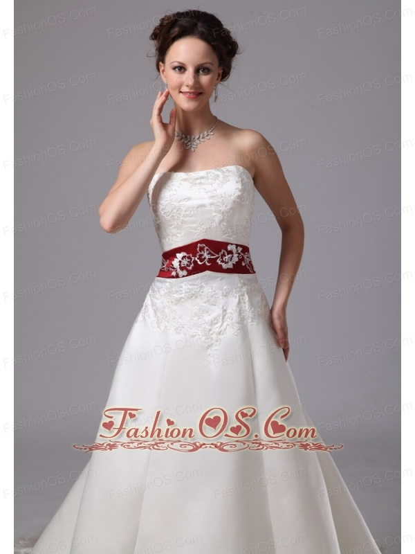2013 Embroidery Clasp Handle Wedding Dress With Chapel Train Wine Red and White