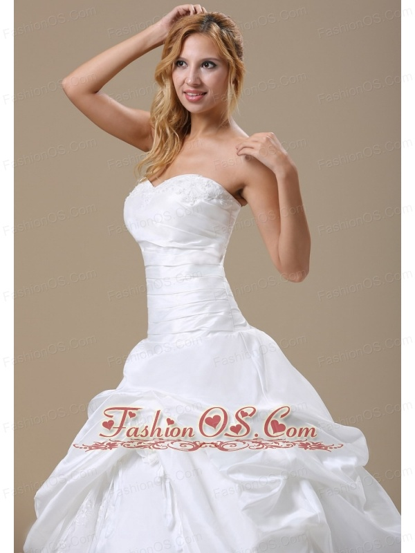 Appliques Decorate Sweetheart Neckline Hand Made Flower Ball Gown Floor-length For 2013 Wedding Dress