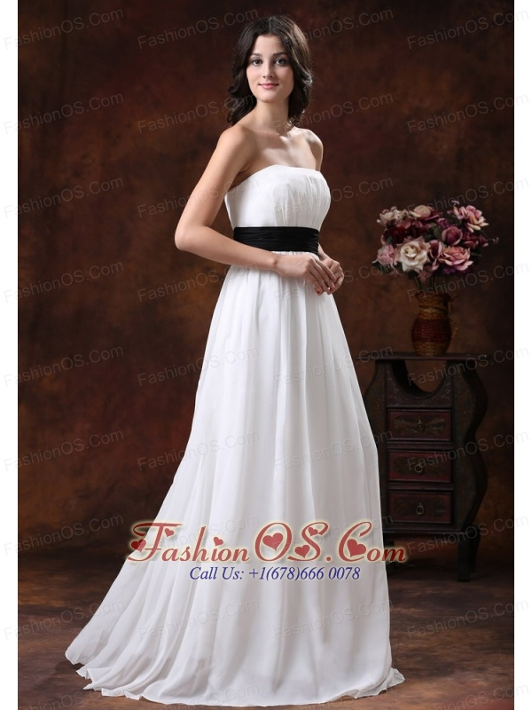Custom made white chiffon brush train low cost wedding for Low cost wedding dresses