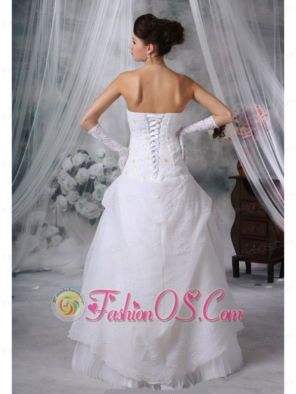 Dubuque Iowa Beaded Decorate Bodice Hand Made Flower Special Fabric Floor-length For 2013 Wedding Dress