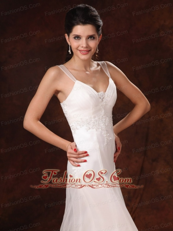 Straps And V-neck With Lace Appliques Decorate Waist Court Train 2013 New Styles Wedding Dress For Customize