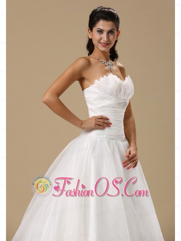 Sweetheart Neckline Ruch and Beading Decorate Bodice Court Train Organza Popular Style 2013 Wedding Dress
