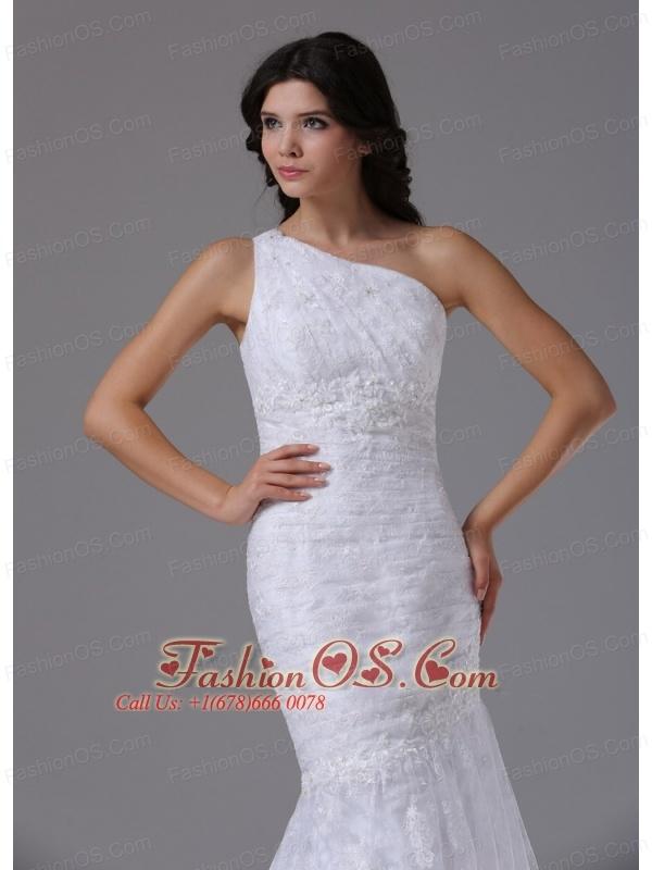Wedding Dress with Mermaid Lace Over Skirt Brush Beautiful In Agoura Hills California