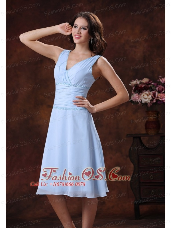Chiffon V-neck Lilac Ruch Decorate Bridesmaid Dress With Knee-length In Avondale Arizona