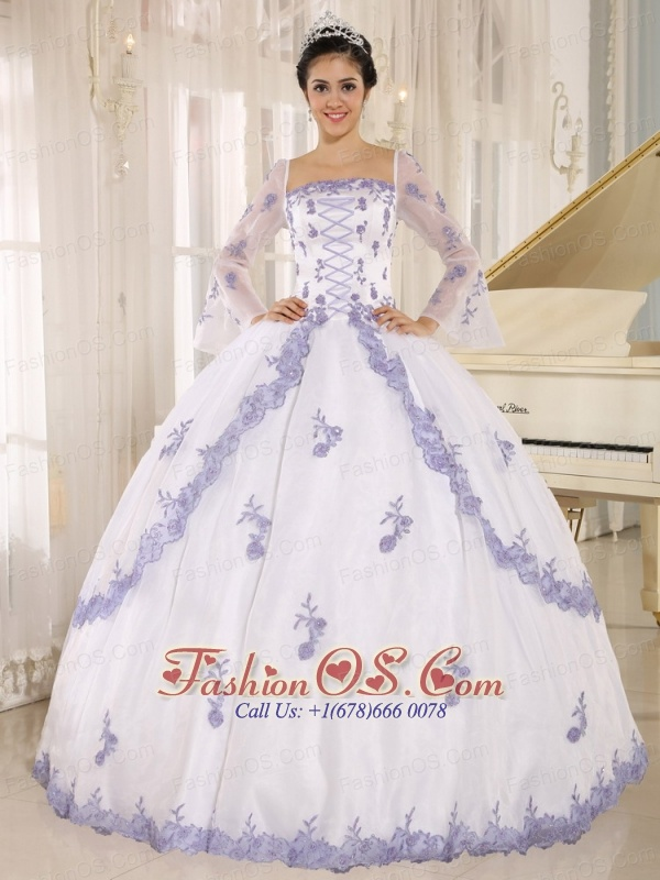 Lilac Embroidery Decorate On White Organza Square Neckline Quinceanera Dress In Quillacollo