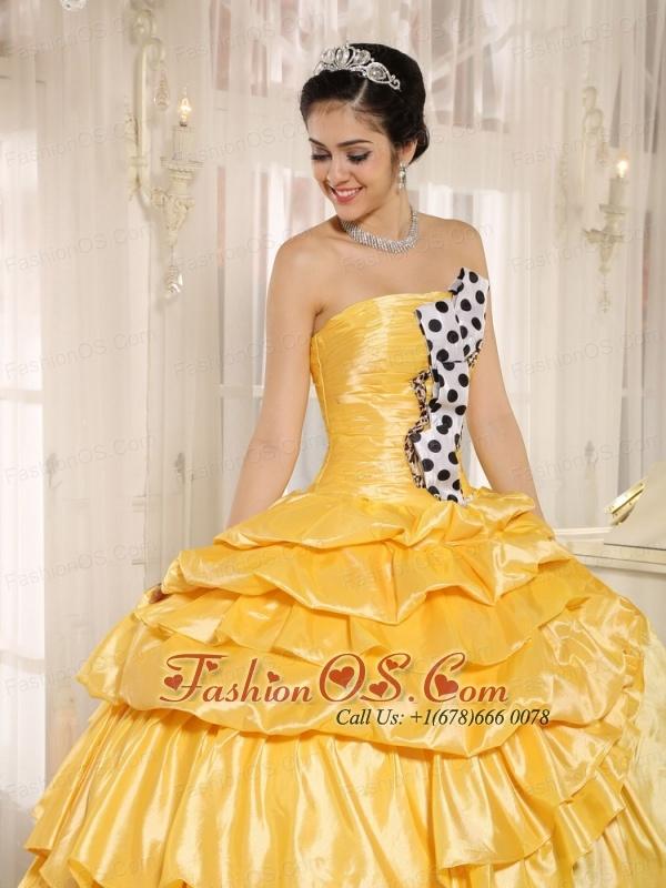 Popular Multi-color Pick-ups Strapless 2013 Quinceanera Dress In Santiago del Estero