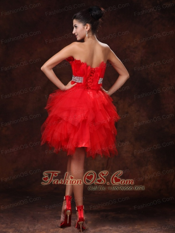 Red Feather Tulle Beaded Decorate Waist A-line Customize Cocktail Dress With Strapless For 2013
