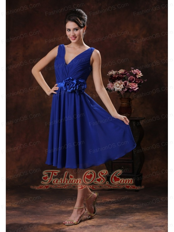 Royal Blue V-neck Bridesmaid Dress With Flowers and Ruch Derocate In Carefree Arizona