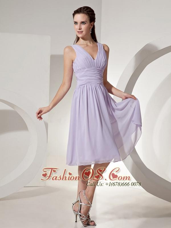 2013 Lilac Column Bridesmaid Dress V-neck Knee-length Chiffon Ruch