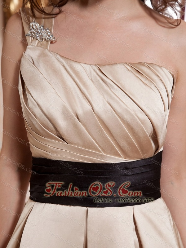 Beaded Decorate One Shoulder Ruch and Sash For Prom Dress With Champagne