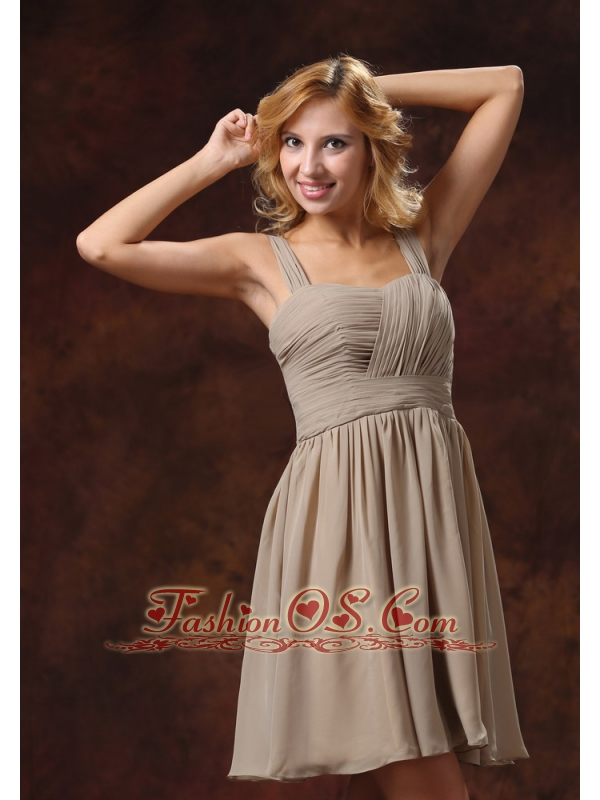 Ruch Decorate Knee-length Grey Bridesmaid Dress With Straps Neckline Dama Dresses for Quinceanera