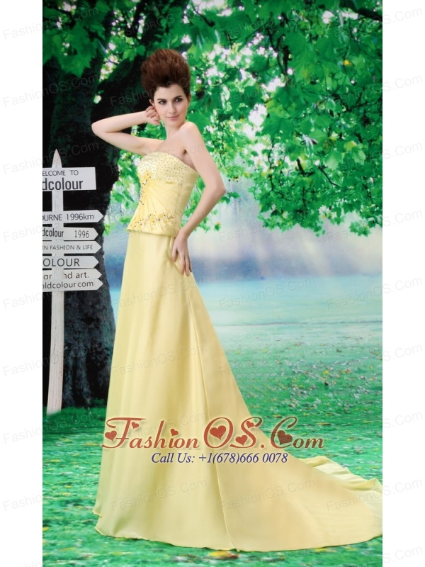 Beading Chiffon A-Line Yellow Court Train Strapless Prom Dress