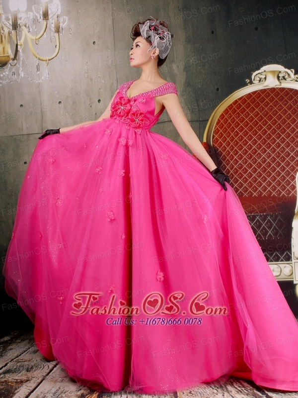 Beautiful V-neck Cap Sleeves Hot Pink 2013 Prom Dress With Hand Made Flowers